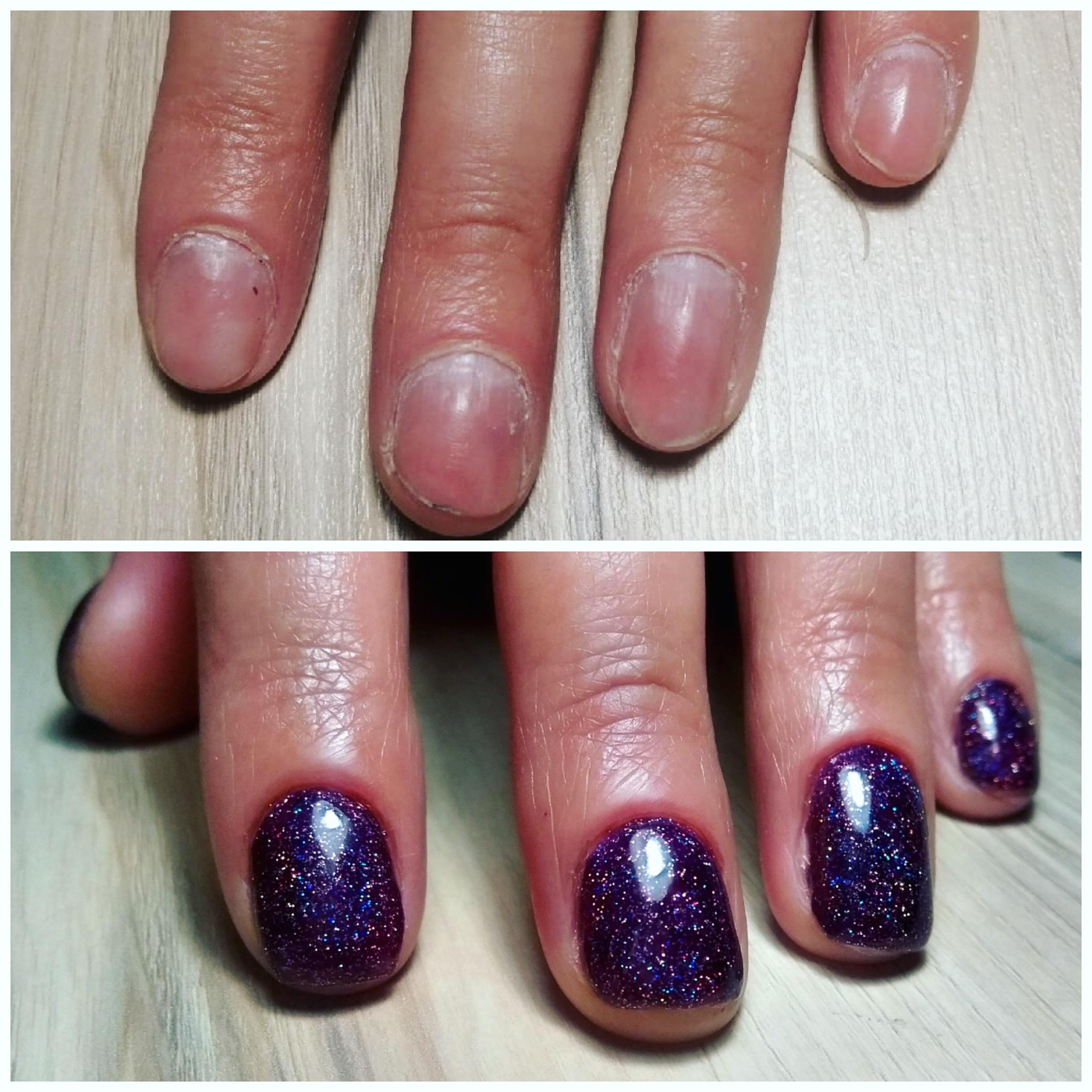 Маникюр с блестками в баклажановом цвете на короткие ногти.