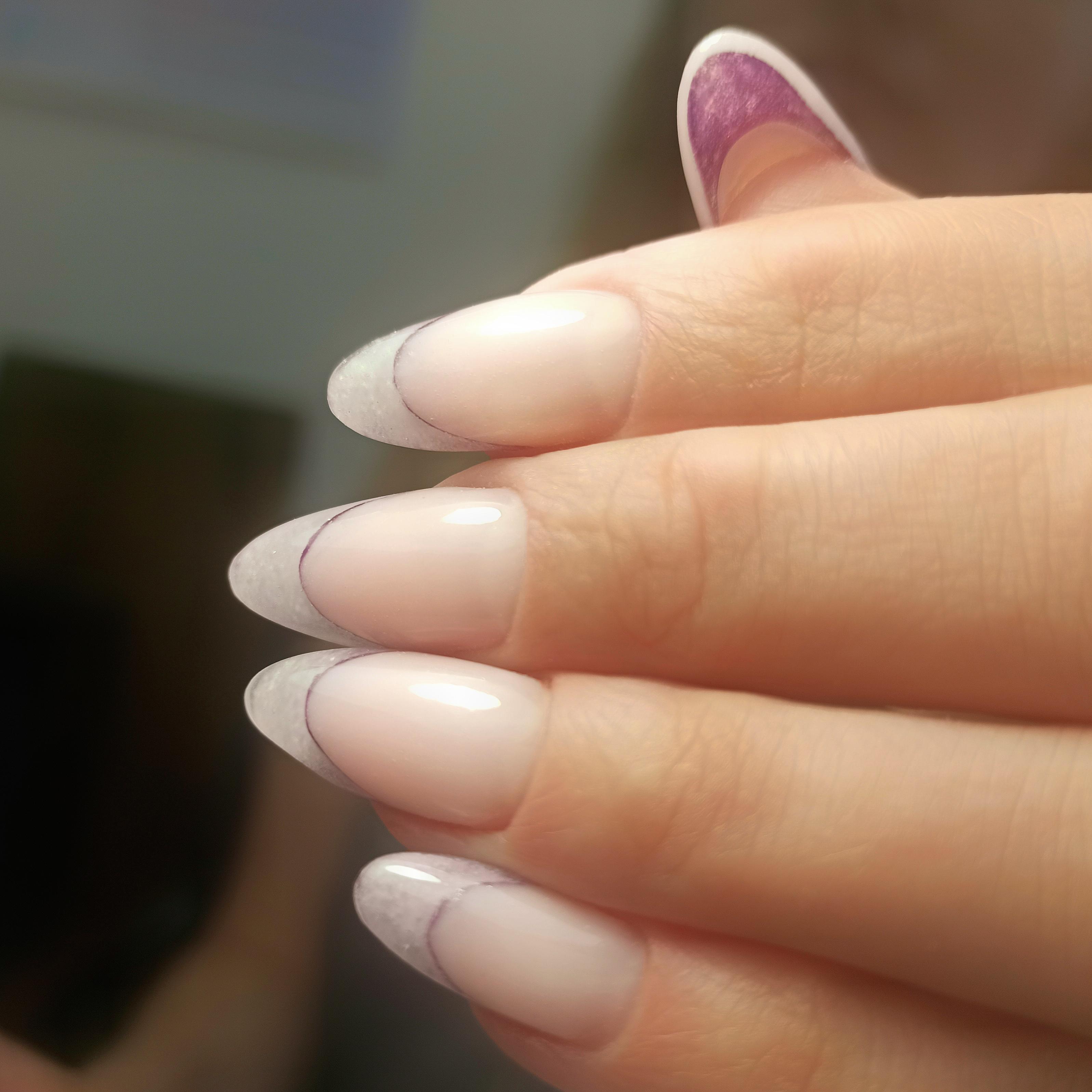 Выкладной френч на длинные ногти.
