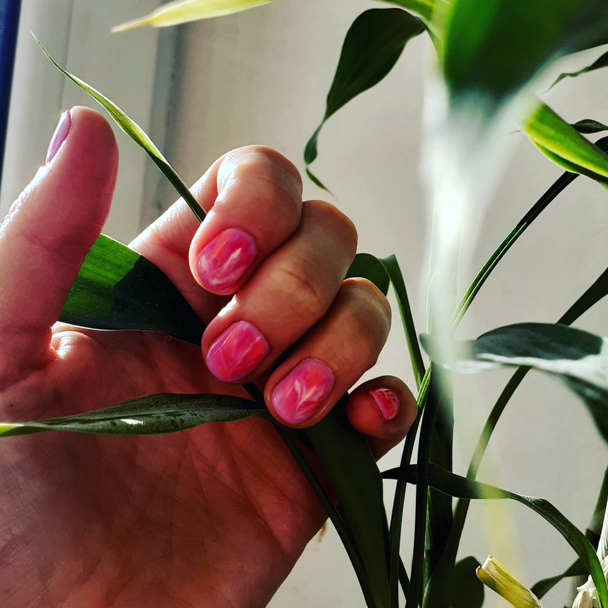 Маникюр акварельный дым,мрамор,в розово-сиреневым цвете