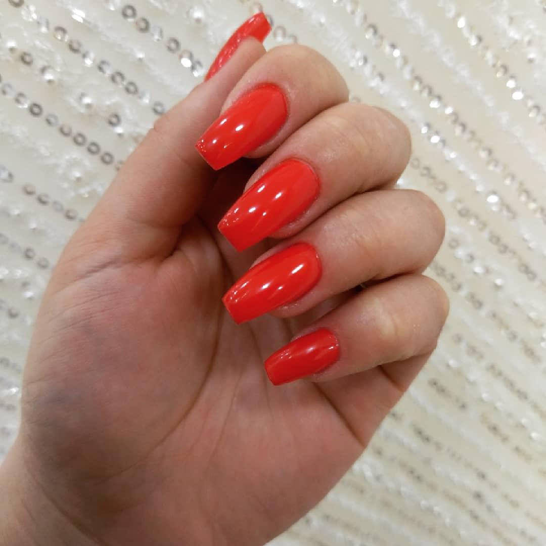Работаю недавно, но стараюсь выложиться на все сто! Как вам наши страстные ногти?)))