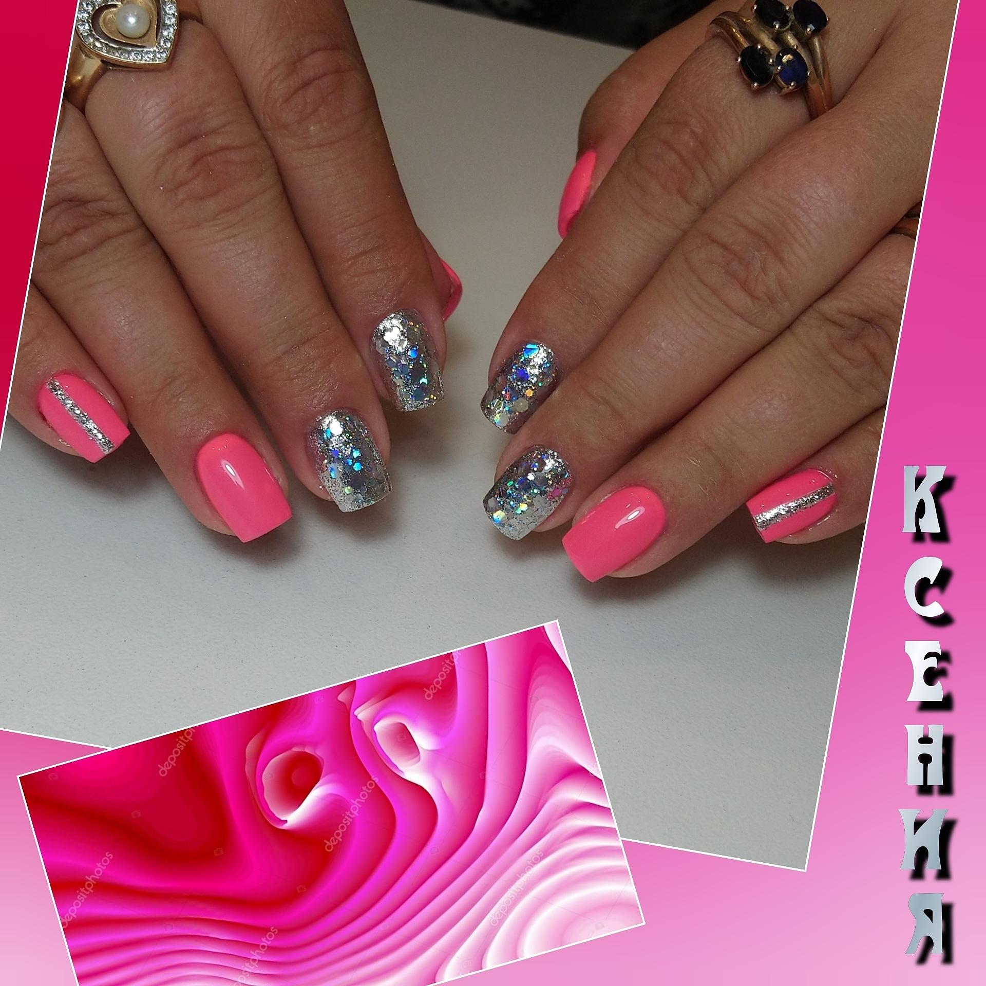 Маникюр с серебряными камифубуки в розовом цвете на короткие ногти.