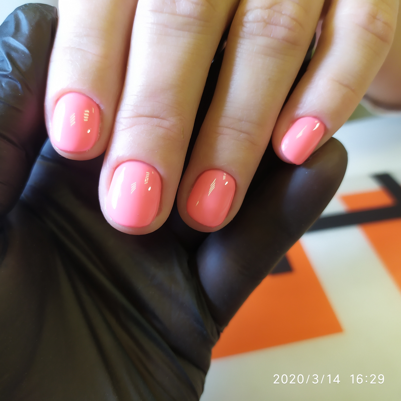 Маникюр в розовом цвете.