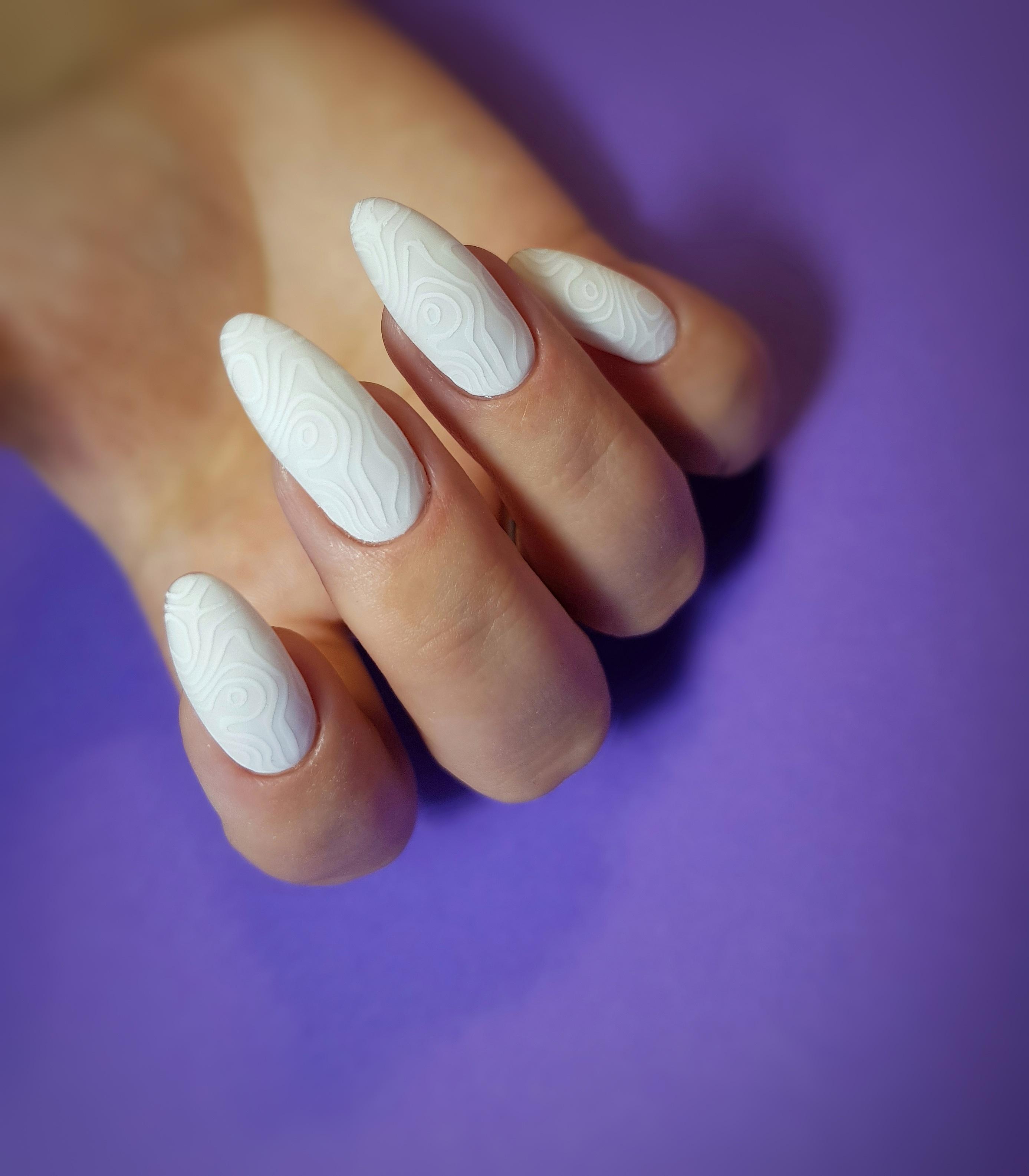 Миндальные ногти Стемпинг