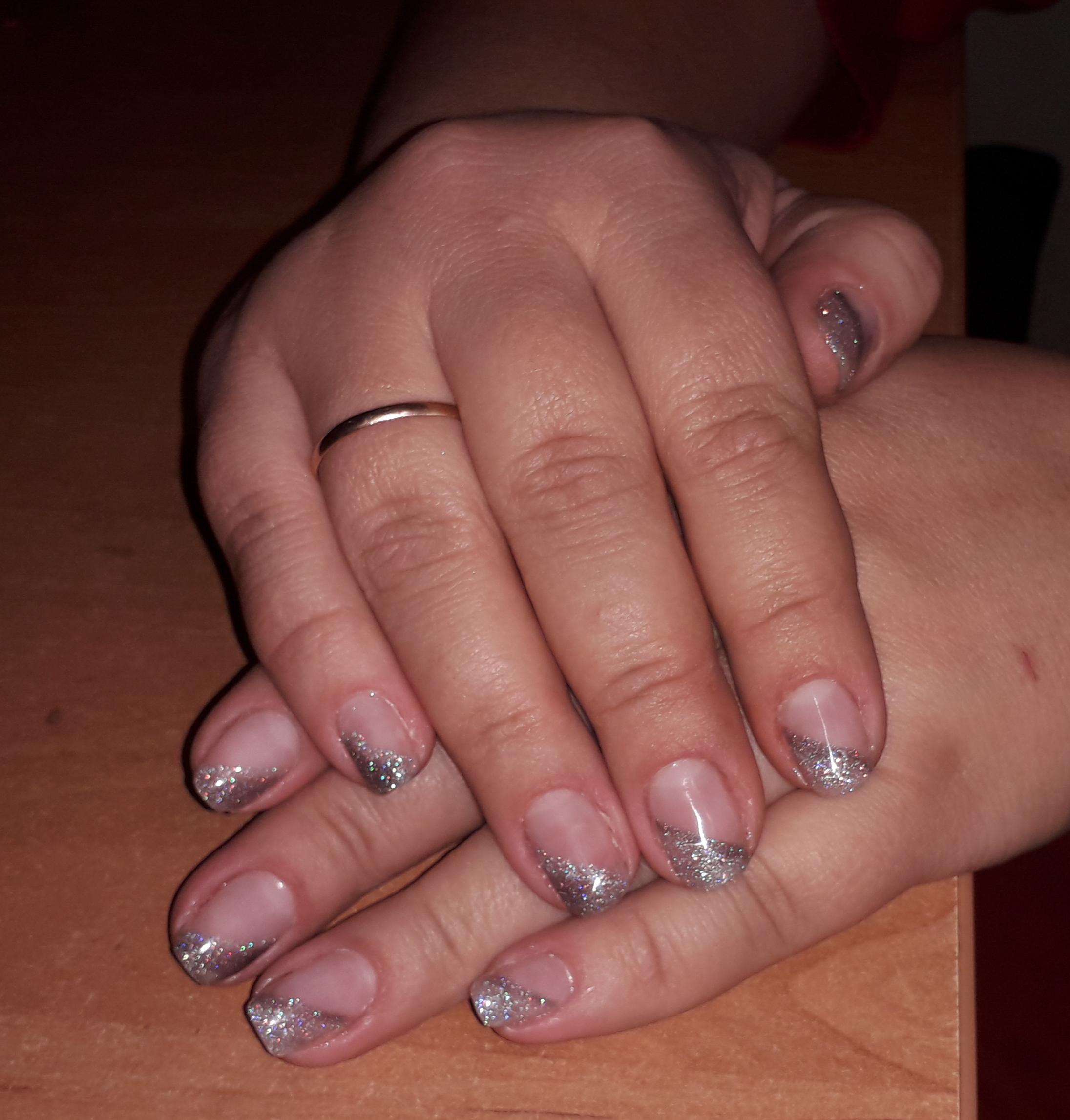 Оригинальный френч с серебряными блестками.