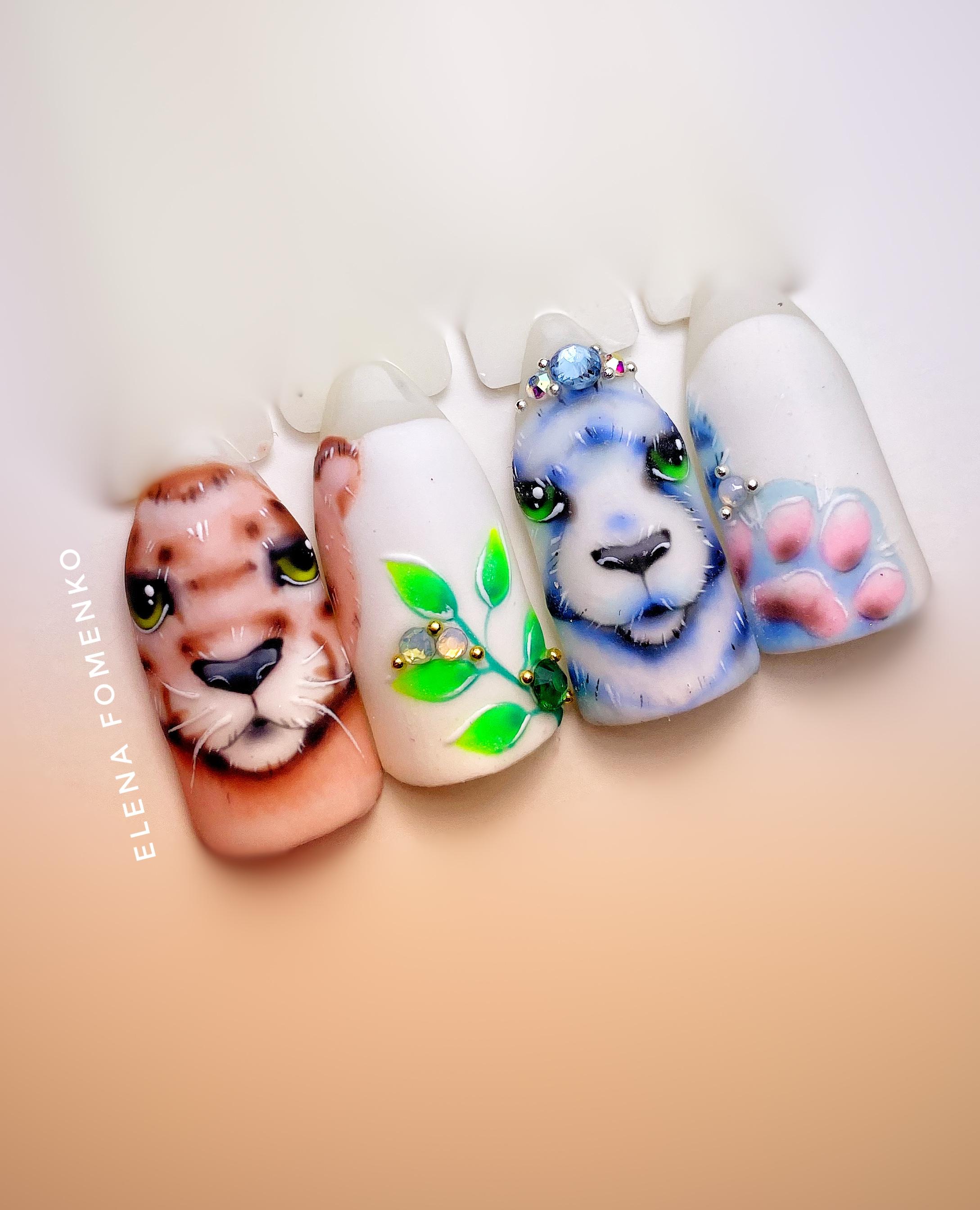 Цветной маникюр с животными.