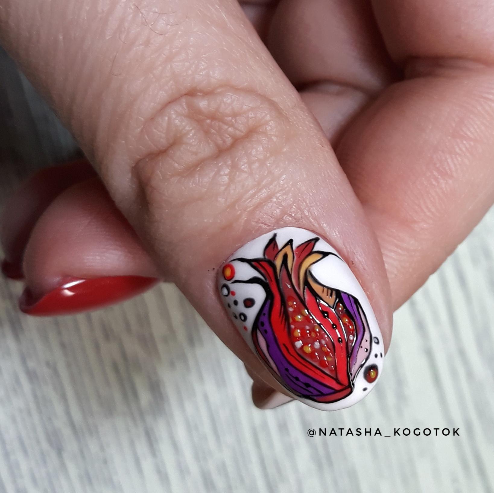 Абстракция на ногтях, стилизованный гранат
