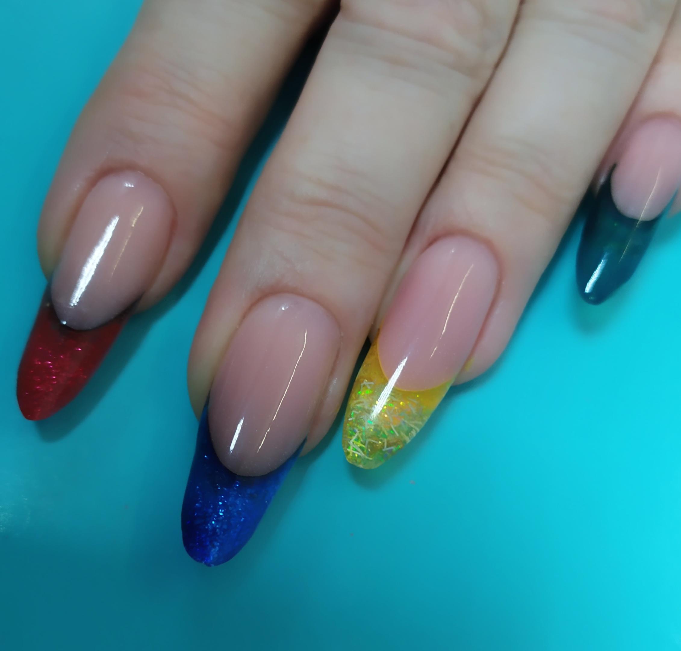 Выкладной разноцветный френч.